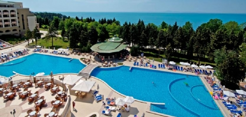Disabled access holidays wheelchair accessible - Sunny beach pools ...