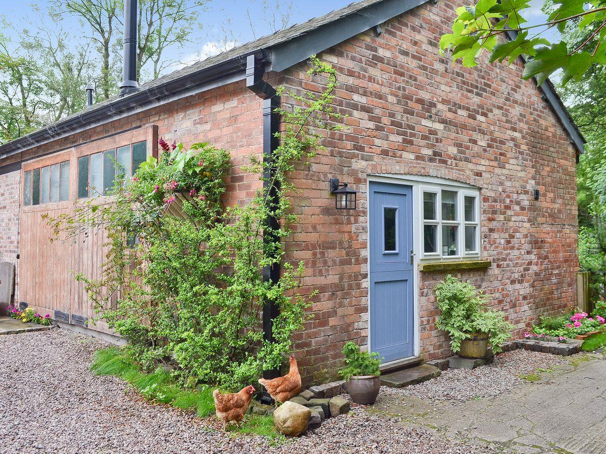 Disabled Holidays - Doe Meadow - River Cottage, Macclesfield, Cheshire, England