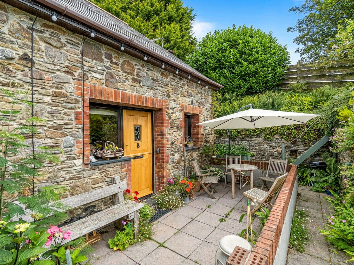 Disabled Holidays - The Swallow, Looe, Cornwall, England