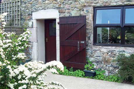 Disabled Holidays - The Granary Cottage - Irton House Farm, Cockermouth, Cumbria, England