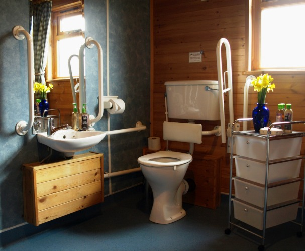 Accessible Cabin Accommodation in Matlock, Derbyshire, East Midlands ...