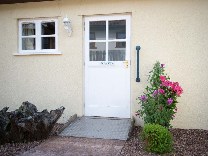 Disabled Holidays - Valley View Cottage, Devon, England