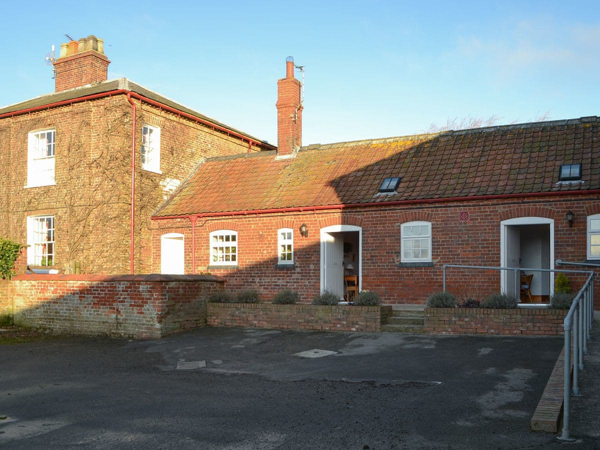 Disabled Holidays - Life Hill Farm Cottage, Driffield, East Yorkshire, England