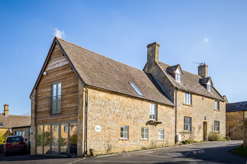 Disabled Holidays - George Barn - Cotswold Charm Cottages, England