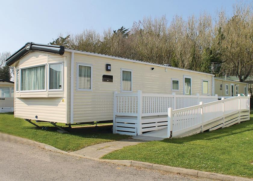 Disabled Holidays - Supreme Lodge, Lymington, Hampshire, England