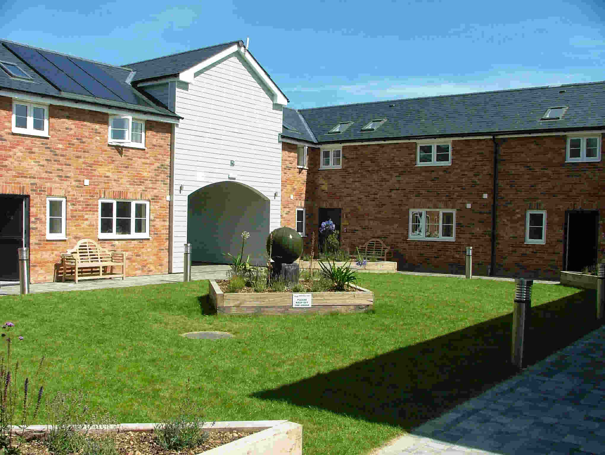 Disabled Holidays - Pegasus Cottage - Newport, Isle of Wight
