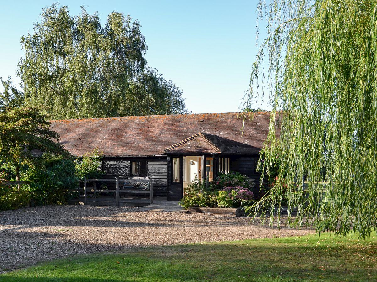 Disabled Holidays - Maplehurst Barn Stables, Maidstone, Kent, England