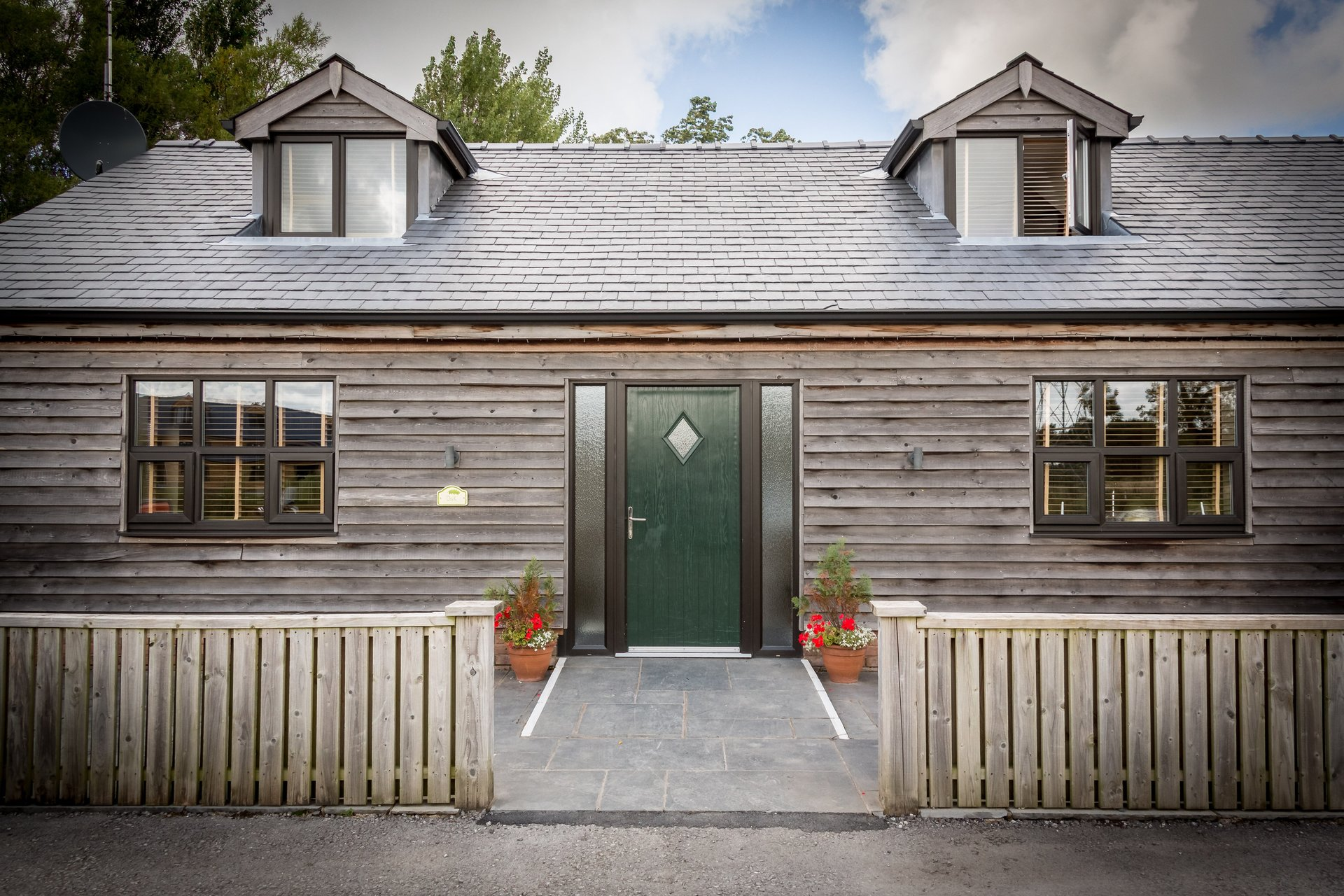 Disabled Holidays - Self Catering Oak Cottage, Hambleton, Lancashire, England