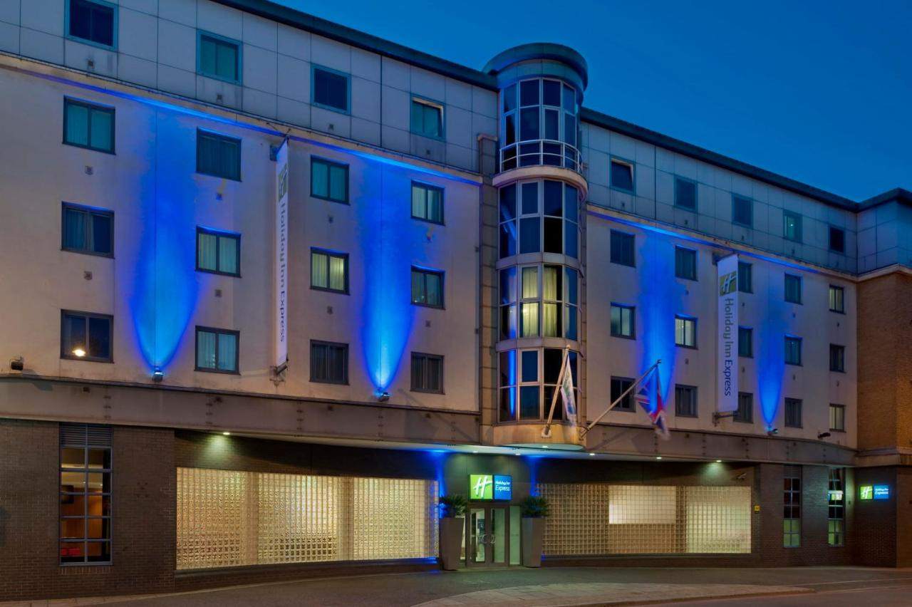 Holiday Inn Express London City
