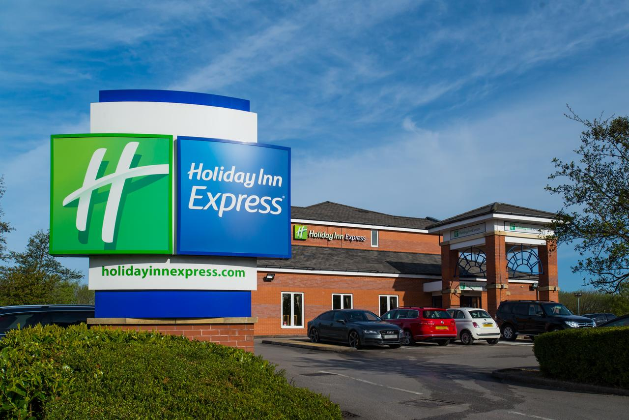 Disabled Holidays - Holiday Inn Express Manchester - East, Gorton, Manchester, England