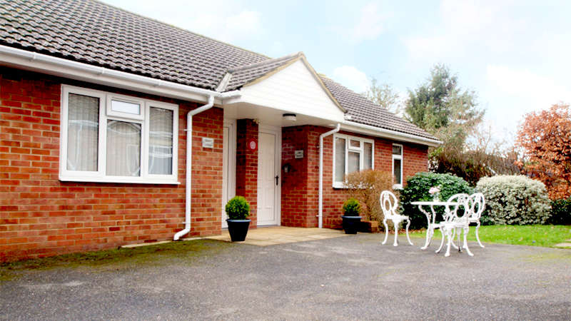 Disabled Holidays - Bench Cottage, Hampshire - UK