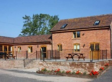 Disabled Holidays - The Tack Room - Little Cowarne Court Cottages, Hereford, England