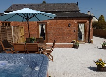 Disabled Holidays - Woodpecker Cottage, Dudleston