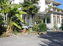 Disabled Holidays - Hotel Piccolo Mondo, Torbole - Lake Garda, Italy