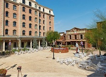 Disabled Holidays - PortAventura Gold River Hotel, Salou, Spain