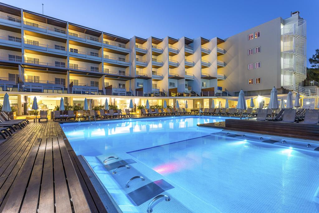Disabled Holidays - Palladium Don Carlos  - Santa Eulalia, Ibiza