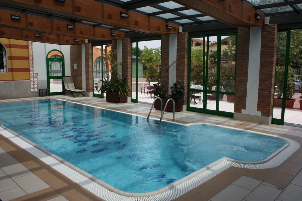 Disabled holidays verona italy wheelchair accessible - Hotels in verona with swimming pool ...