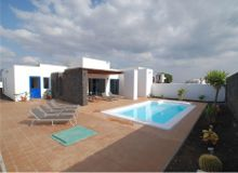Disabled Holidays - Sands Beach Resort Villa - Owners Direct, Lanzarote