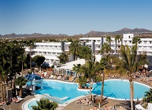 Disabled Holidays - Riu Paraiso Pool -  Lanzarote