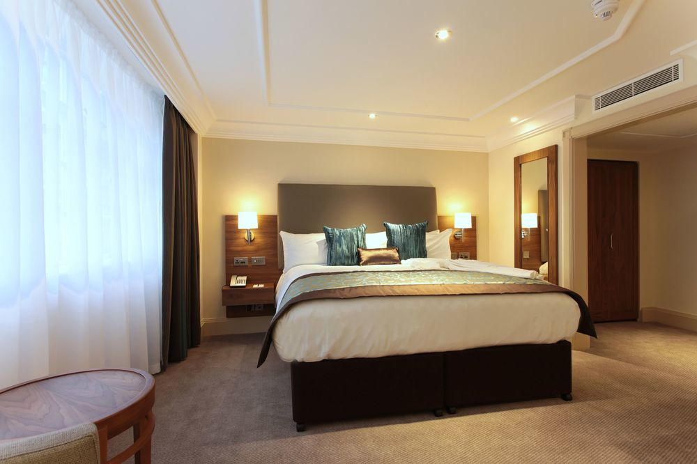 Disabled Holidays In England At The Amba Hotel Marble Arch
