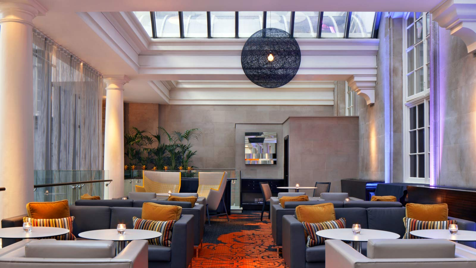 Living Room Bar And Terrace Disabled Holidays In England At The Le Meridien Piccadilly London