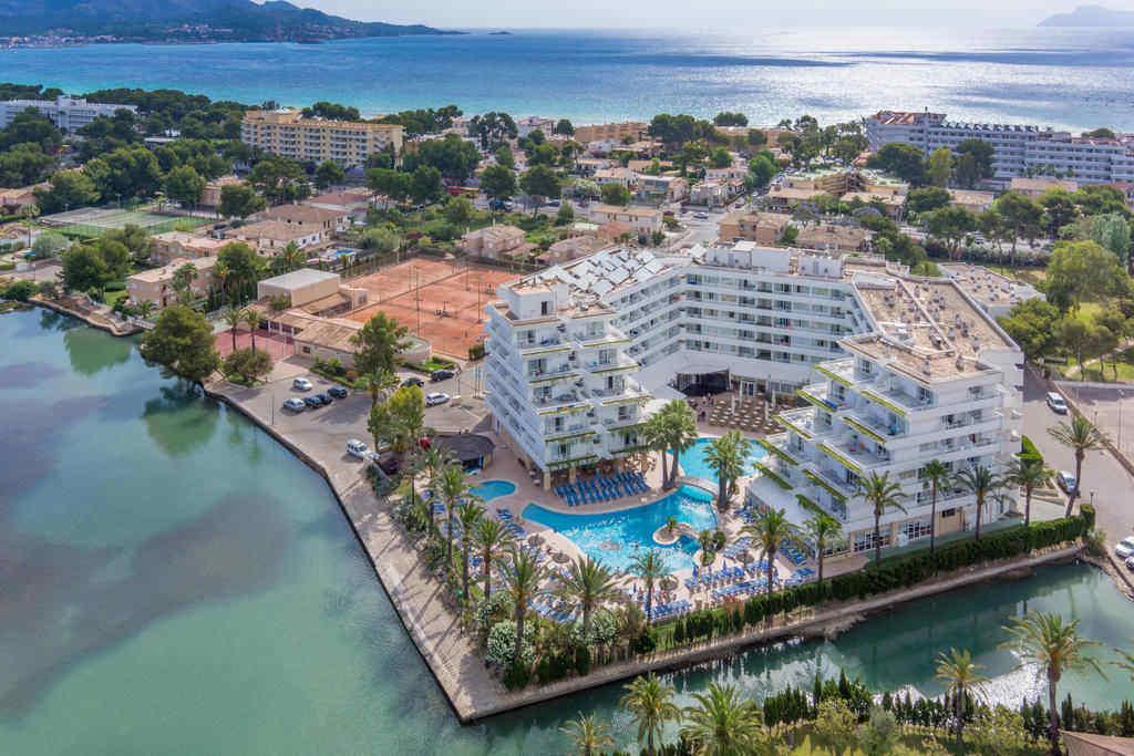 Holidays For Disabled Travellers In Majorca Viva Eden Lago
