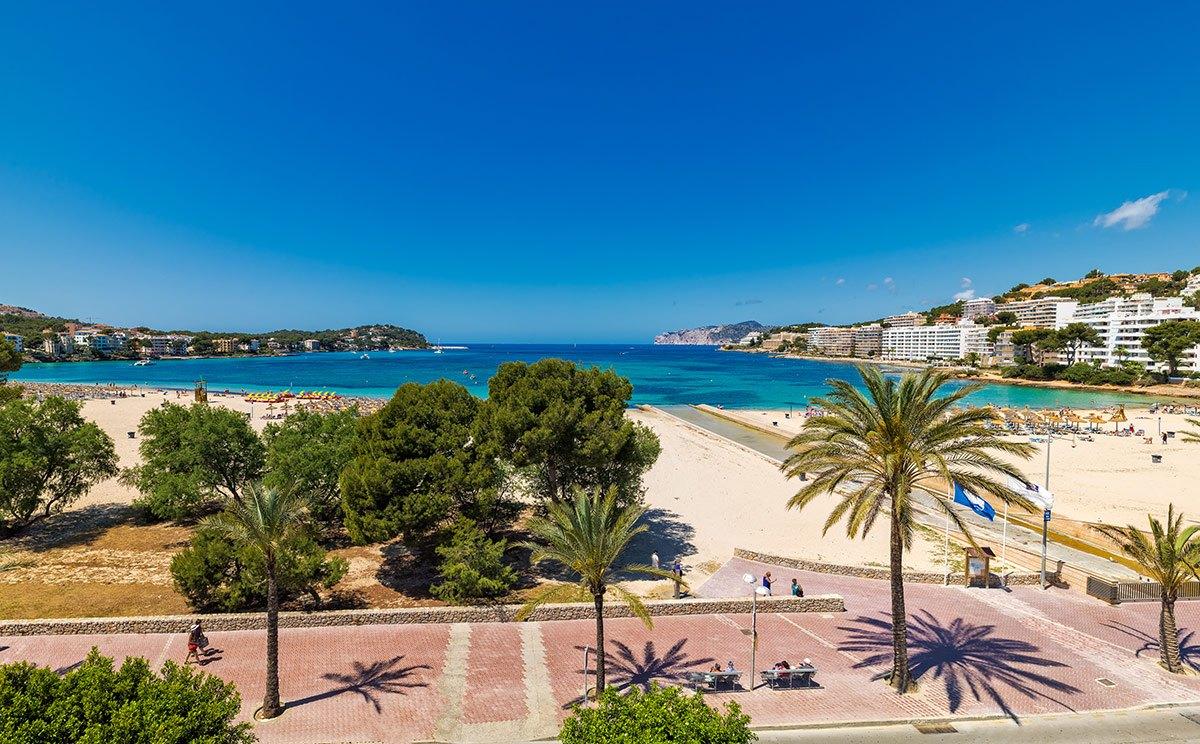 Disabled holidays acceesible accommodation at h10 casa del mar in majorca - Casa del mar palma de mallorca ...