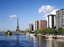 Disabled Holidays - Novotel Tour Eiffel Hotel, Paris
