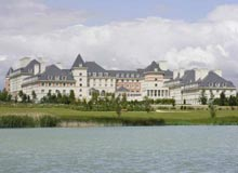 Disabled Holidays - Vienna International Dream Castle Hotel - Paris, France