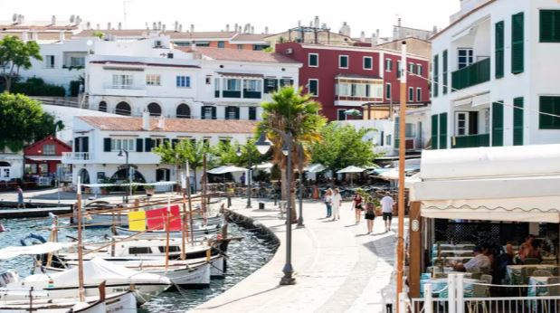 Disabled friendly accommodation in Es Castell, Menorca