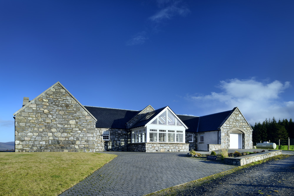 Disabled Holidays - Mountain View Lodge, Inveruglass, Insh, Scotland