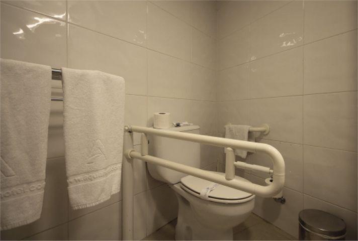Accessible Accommodation In Hotel Aquamarina And Spa Santa
