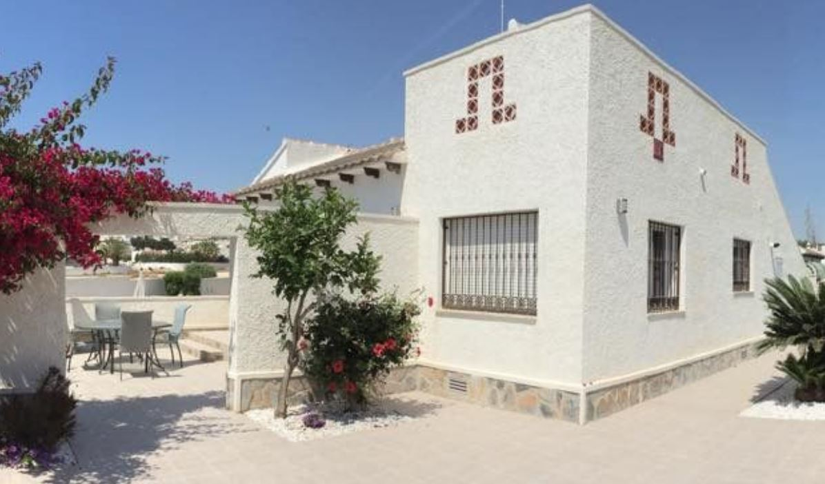 Disabled Holidays - Villa Villamartin, Costa Blanca - Owners Direct, Spain