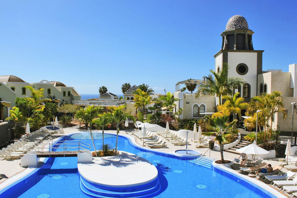 Disabled Holidays - Hotel Suites Villa Maria, Tenerife