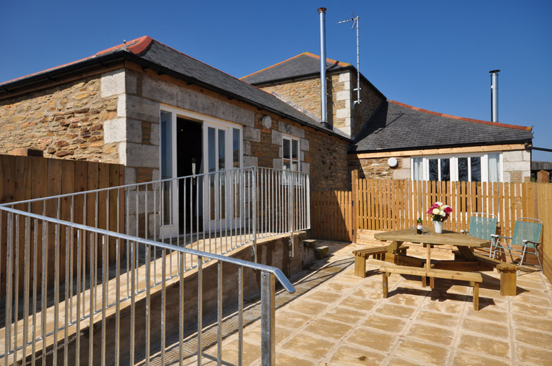 Disabled Holidays - Gwennel Cottage - Pengelly Farm Cottages, Truro, Cornwall, England