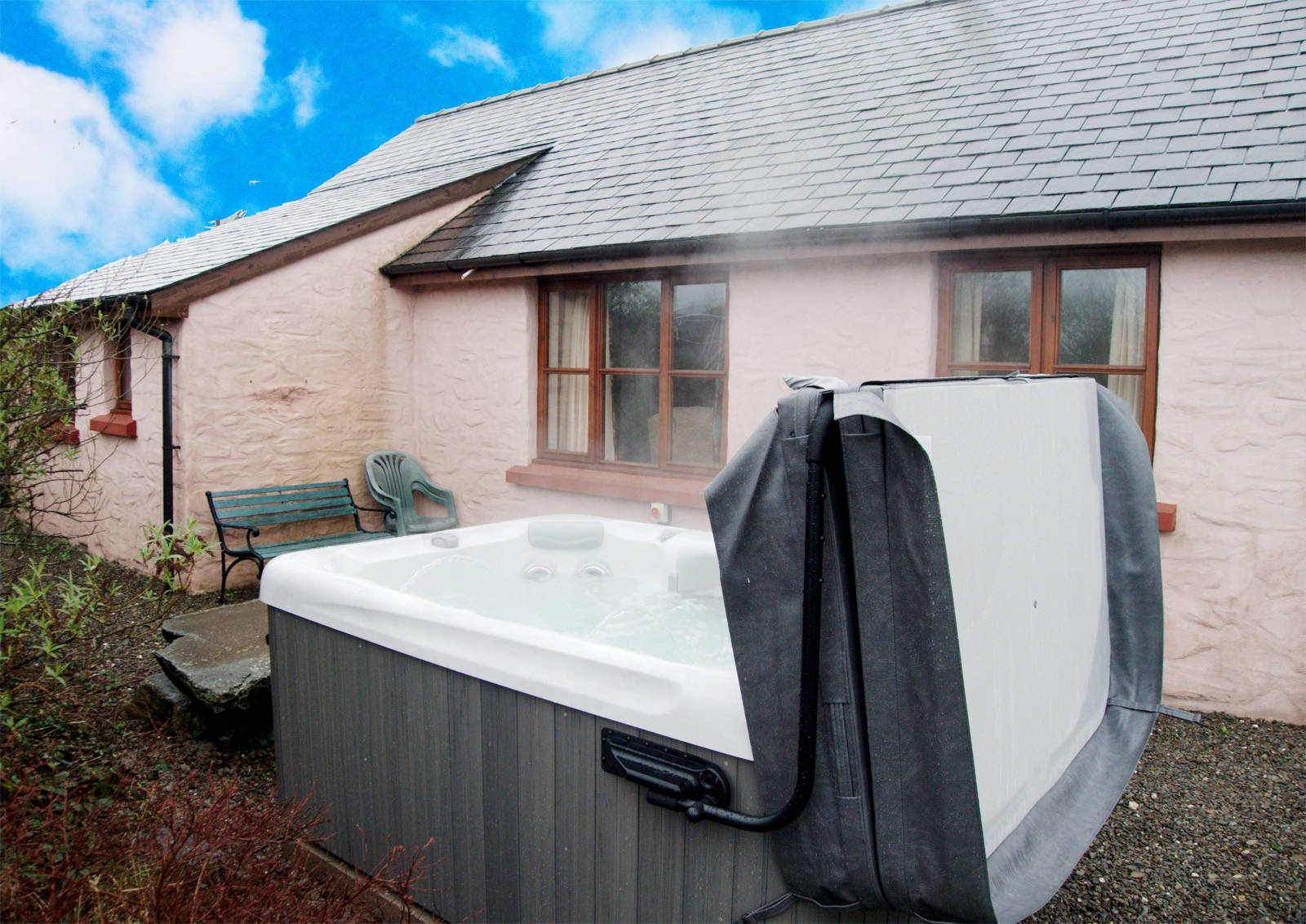 Disabled Holidays - Ty Coed - Canllefaes Ganol Cottages, Cardigan, Ceredigion, Wales