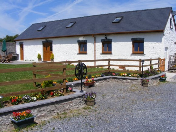 Disabled Holidays - The Old Cow Barn - Laugharne, Carmarthenshire