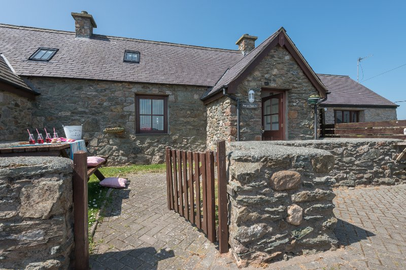 Disabled Holidays - Bwthyn Branwen - Aberffraw, Anglesey, Wales
