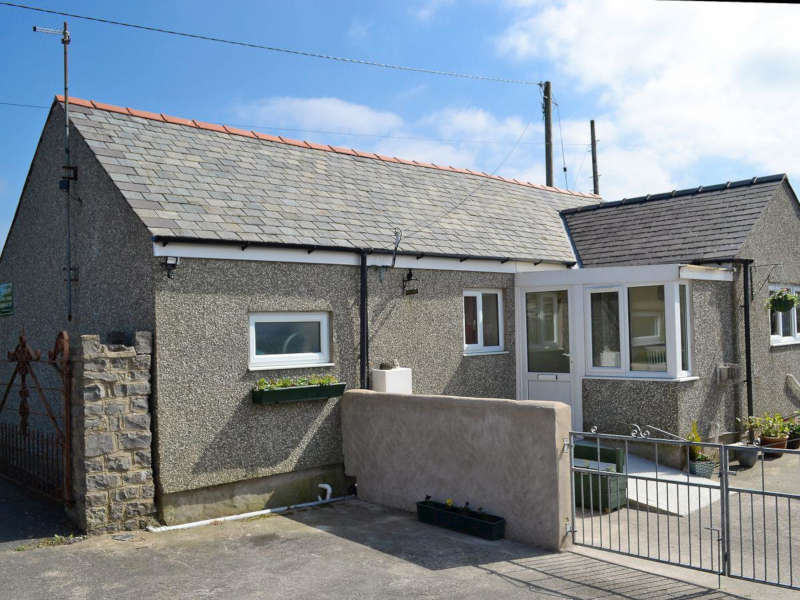 Disabled Holidays - Ty Cottage - Llangefni, Anglesey, Wales